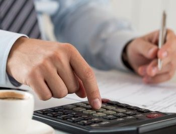 How to Manage Bookkeeping as a Contractor